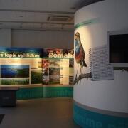 Infocentrum z prezentačních stěn
